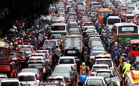 4 Di Jakarta road safety permasalahan transportasi di indonesia