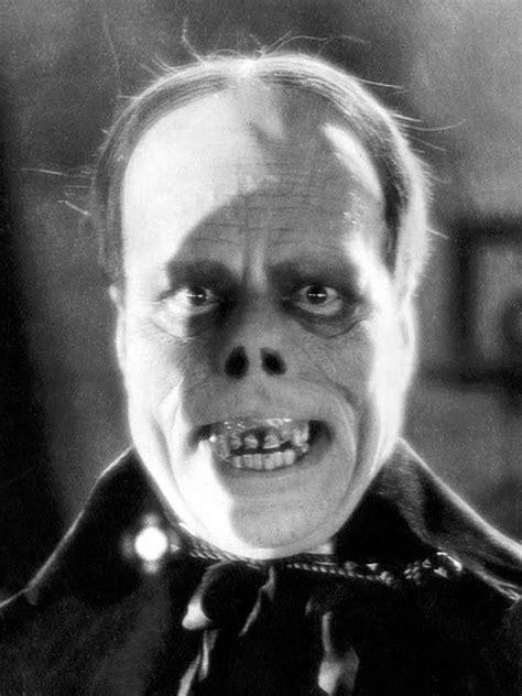 Lon Chaney, Sr. as the Phantom of the Opera   Macabre