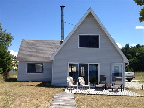 silver lake michigan cottage rentals cozy lake michigan cottage right on the homeaway shelby