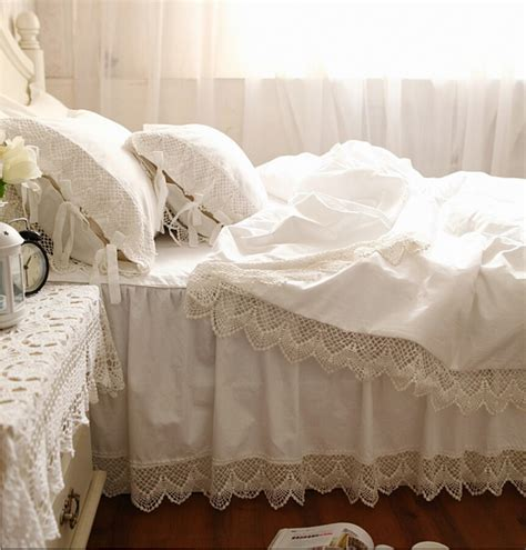 White Bed Linen Sets White Lace Princess Bedding Sets Luxury 4pcs Ruffles Bedspread Solid Color Duvet Cover Bed Skirt