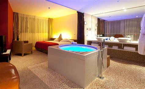 whirlpool im schlafzimmer suite room barcelona hotel diagonal zero