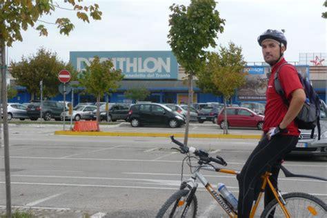 mercatone uno porto d ascoli pista ciclabile lungo il tronto