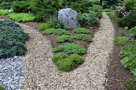 Landscape Rock Mulch Benefits Of Mulch