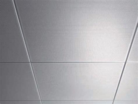 controsoffitti a pannelli pannelli per controsoffitto acustico in metallo amf