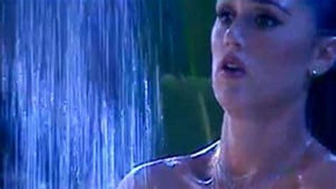 spiata sotto la doccia gf vip cecilia rodriguez sotto la doccia il costume