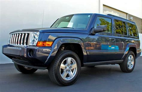 jeep leveling kit 2006 10 jeep commander 2 5 quot leveling kit