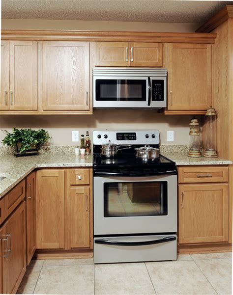 oak shaker kitchen cabinets pre finished shaker style oak kitchen cabinets we ship