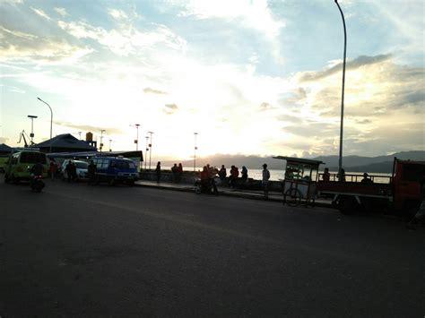 Ac Duduk Di Makassar duduk duduk di pantai losari american us