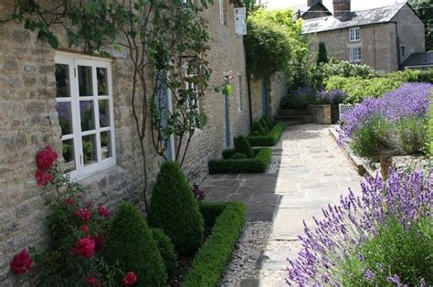 Lavender Garden Cottage by Rear Garden Picture Of Lavender Cottage Kidlington