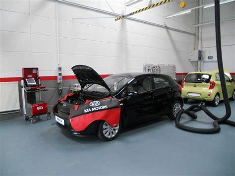 Versicherung F R Autoh Ndler by Kia Er 246 Ffnet Trainingscenter Bei Leipzig Ein Investment