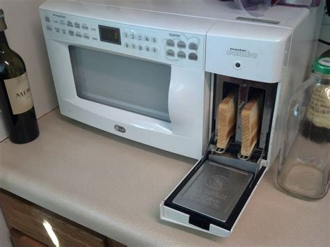 Microwave With Toaster Built In The Microwave In My New Apartment Has A Toaster Built Into