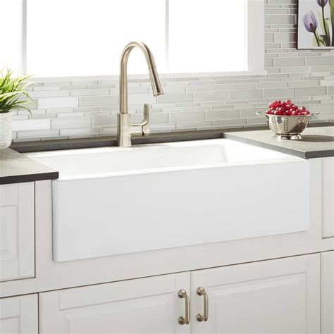 33 white farmhouse sink 33 quot almeria cast iron farmhouse kitchen sink kitchen