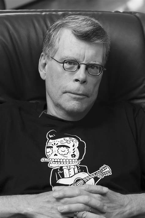 king s bestseller author stephen king king of business savvy