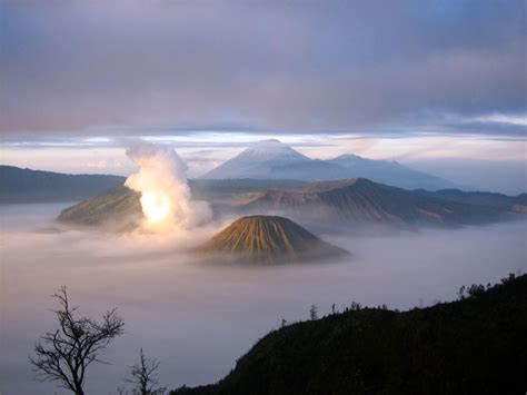 Indonesian travel: Bromo Mountain East Java Indonesia