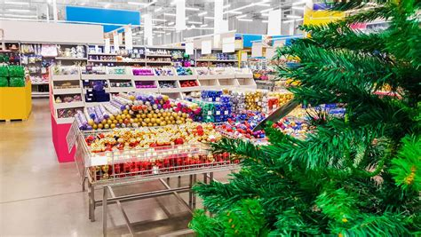how to save money on christmas shopping low cost living