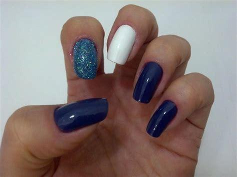 imagenes de uñas pintadas con sellos unha azul e branca mania vaidosa