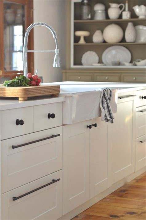 Black Hardware For Kitchen Cabinets by A Simple Country Kitchen With Rustic And Farmhouse Charm