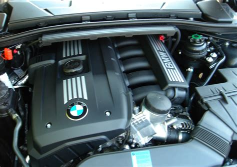 bmw 135i brake fluid pic request e90 and e92 328i engine bays
