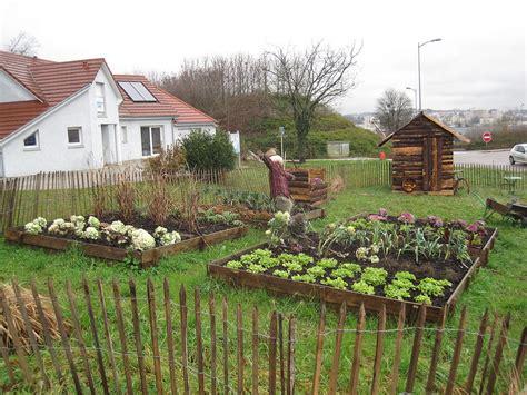 Rã Aliser Un Potager Jardin Potager Wikip 233 Dia