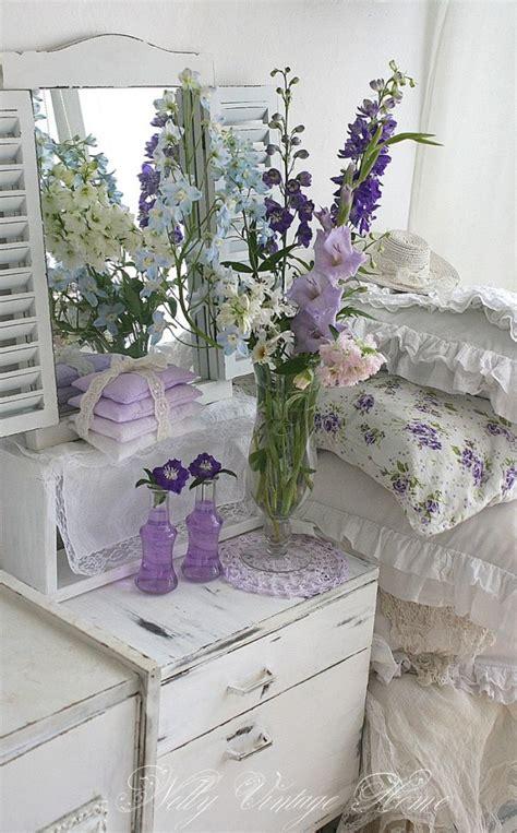 fiori in da letto un tocco di shabby chic con i fiori in da letto