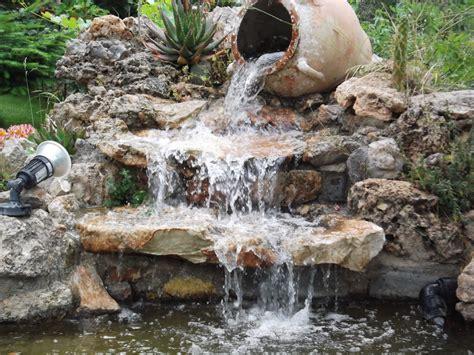 estanque jardin rocalla y estanque en talud