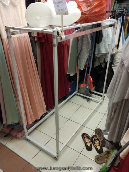 Rak Display Baju Second Peralatan Display Untuk Baju Gawang Baju Fs Rantai Manekin Dll Quot Bekas Second Quot Dengan