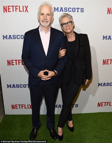 christopher guest halloween jamie lee curtis on new halloween movie set daily mail