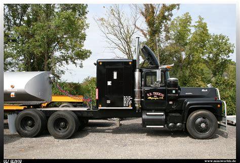 mack rs 700 l quot r d trucking inc quot mack rs 700 l r d