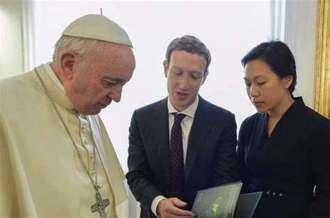 mark zuckerberg biography in spanish pope francis meets mark zuckerberg and his wife at the