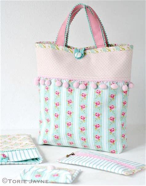 Handmade Bag Tutorial Free - molly s handmade bag pompom trim tote bag free pattern