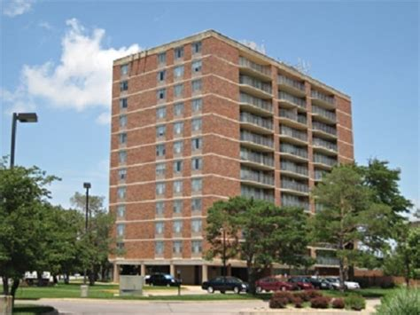 Highland House Apartments by Highland House Apartments Rentals Wichita Ks Apartments