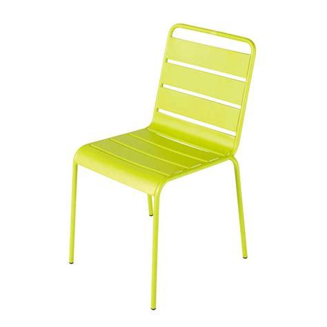 chaise de jardin aluminium chaise de jardin en m 233 tal verte batignolles maisons du monde