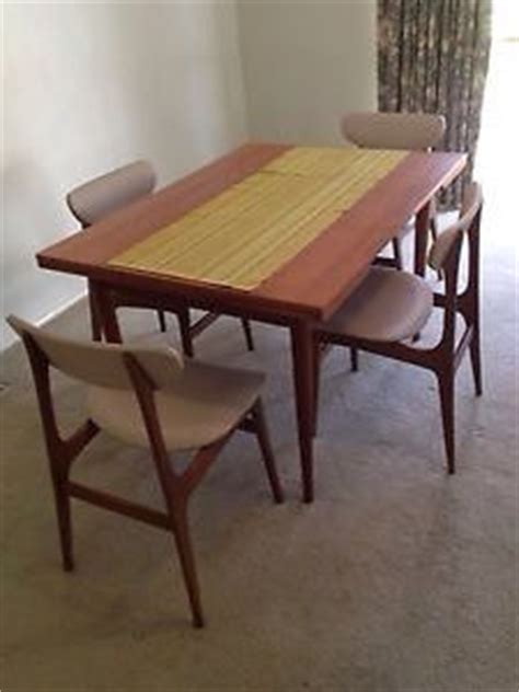 Chiswell Dining Table 5pc Dining Set Chiswell Furniture Extendable Dining Table Rodd Furniture Dining Chairs We
