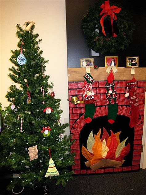 christmas door decorating cubicle christmas office