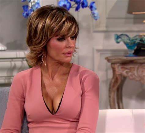 what products does lisa renna use on her hair rhobh strap on confession says nothing about lisa rinna s