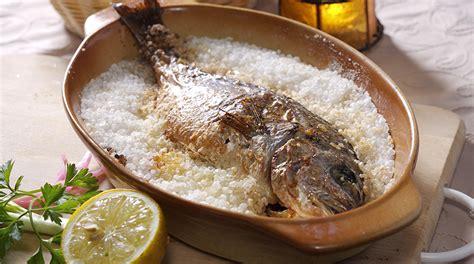come cucinare il pesce al sale pesce la cottura al sale e al vapore