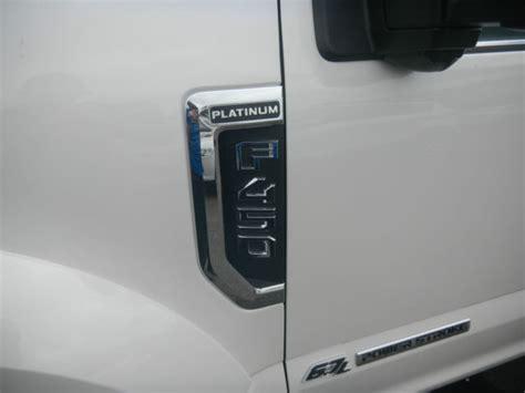 ford   platinum crew cab ultimate tow camera