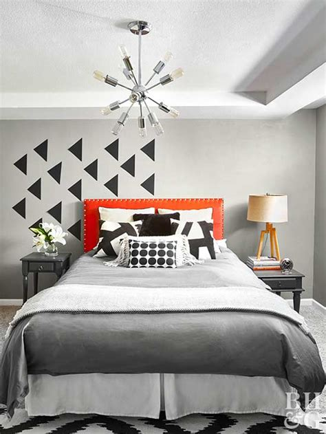 how to decorate the walls of your bedroom how to decorate a small bedroom