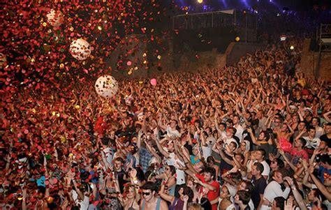 barcelona events barcelona summer festivals celebrations events 2012