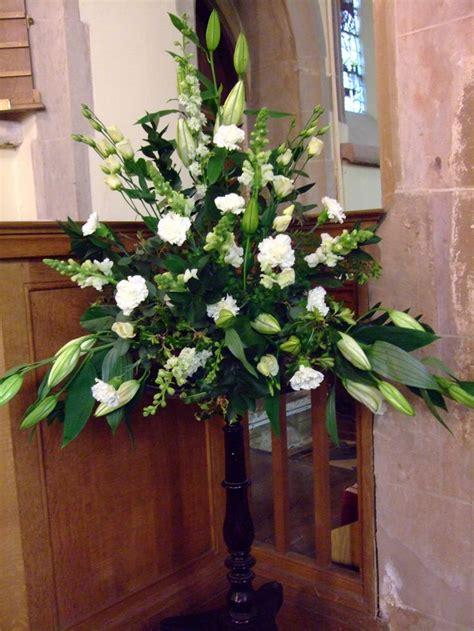 Church Flower Arrangements Pedestal 25 Best Ideas About Church Flower Arrangements On