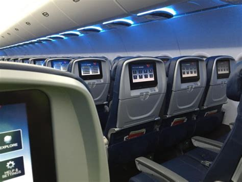 Delta Airlines Interior by Delta S Retrofit Cabins See High Tech Upgrades From