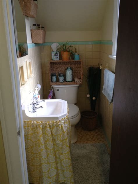small 1 2 bathroom ideas small bathroom ideas pinterest
