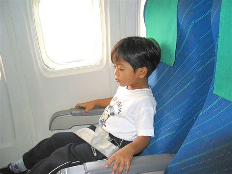 sudorazione eccessiva sedere il malessere dei bambini in volo mamme magazine