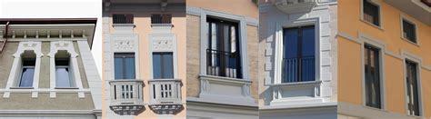 cornici finestre in pietra gres porcellanato effetto legno grigio