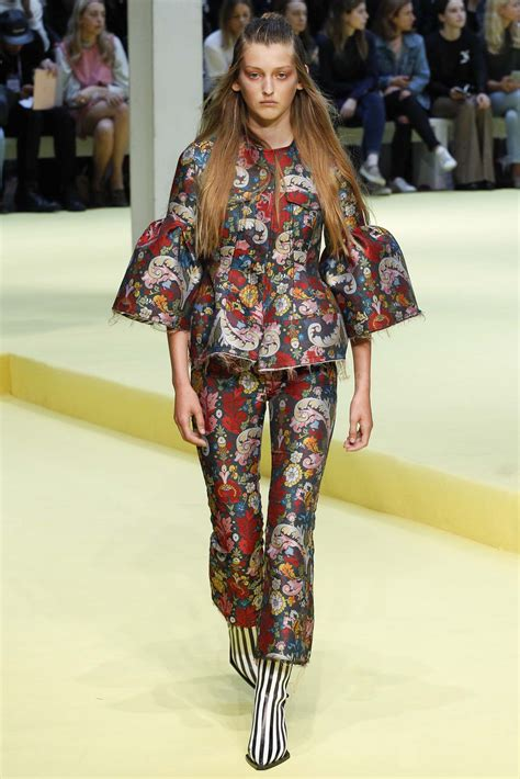 Lfw Day One Snapped Suzy Menkes by Suzy Menkes At Fashion Week Day Six Vogue Australia