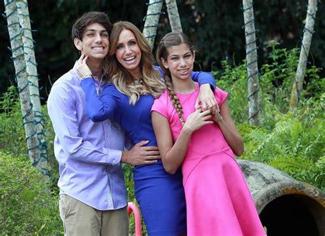 lili estefan biograf a videos fotos y noticias univision lili estefan una madre exigente y consentidora el nuevo