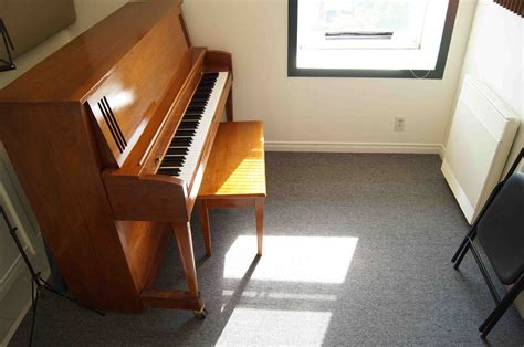 The Room Epilogue Piano by 407 Small Rehearsal Studio With Upright Piano Baldwin 201 Pilogue Musique