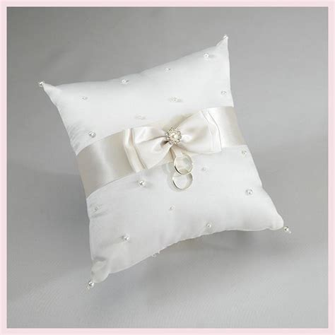 cuscini portafedi oltre 25 fantastiche idee su cuscini anello su