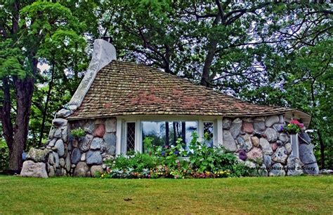 mushroom houses charlevoix mi mushroom house of charlevoix michigan i could live here pinterest