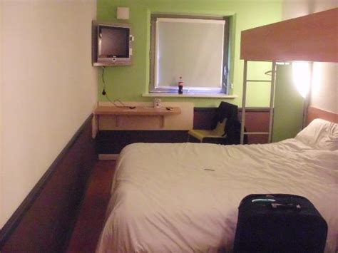 cheap rooms in bradford the shower picture of ibis budget bradford bradford tripadvisor